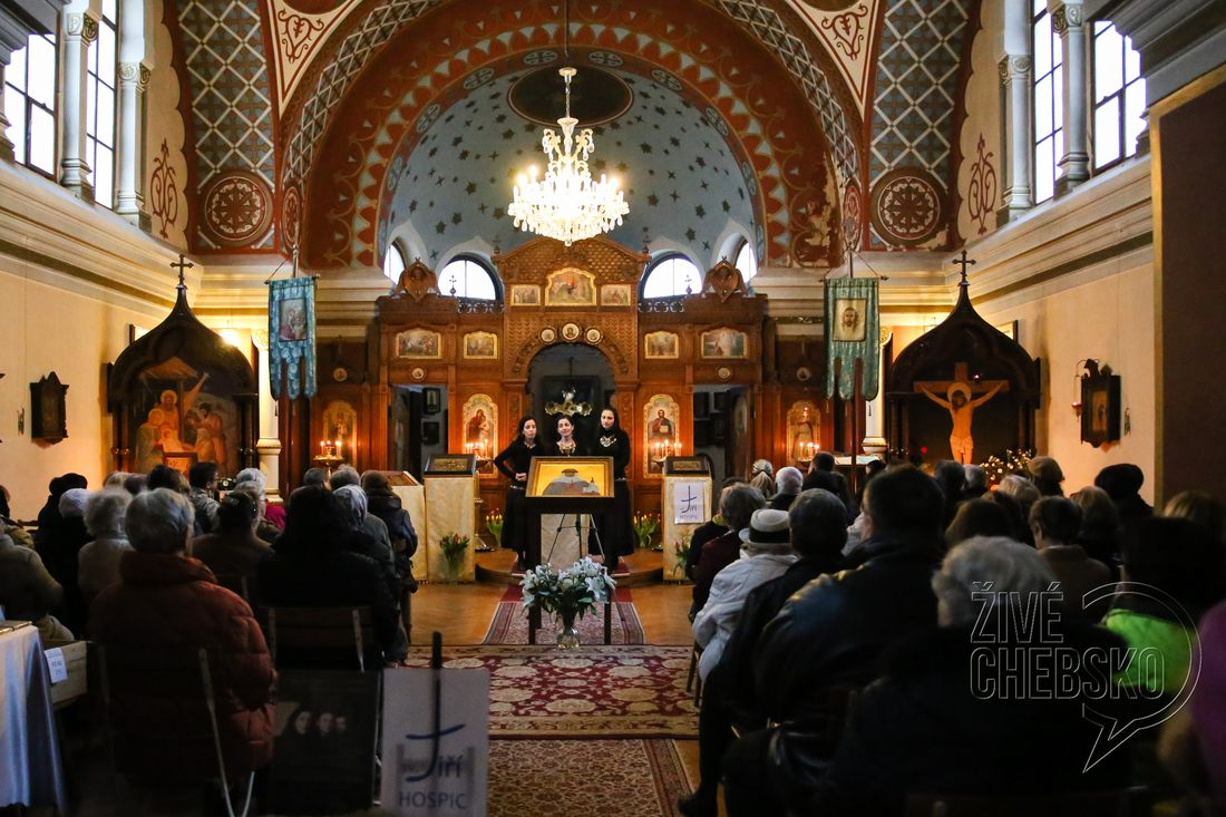 V chrámu svaté Olgy zněly řecké písně pro Hospic Sv. Jiří