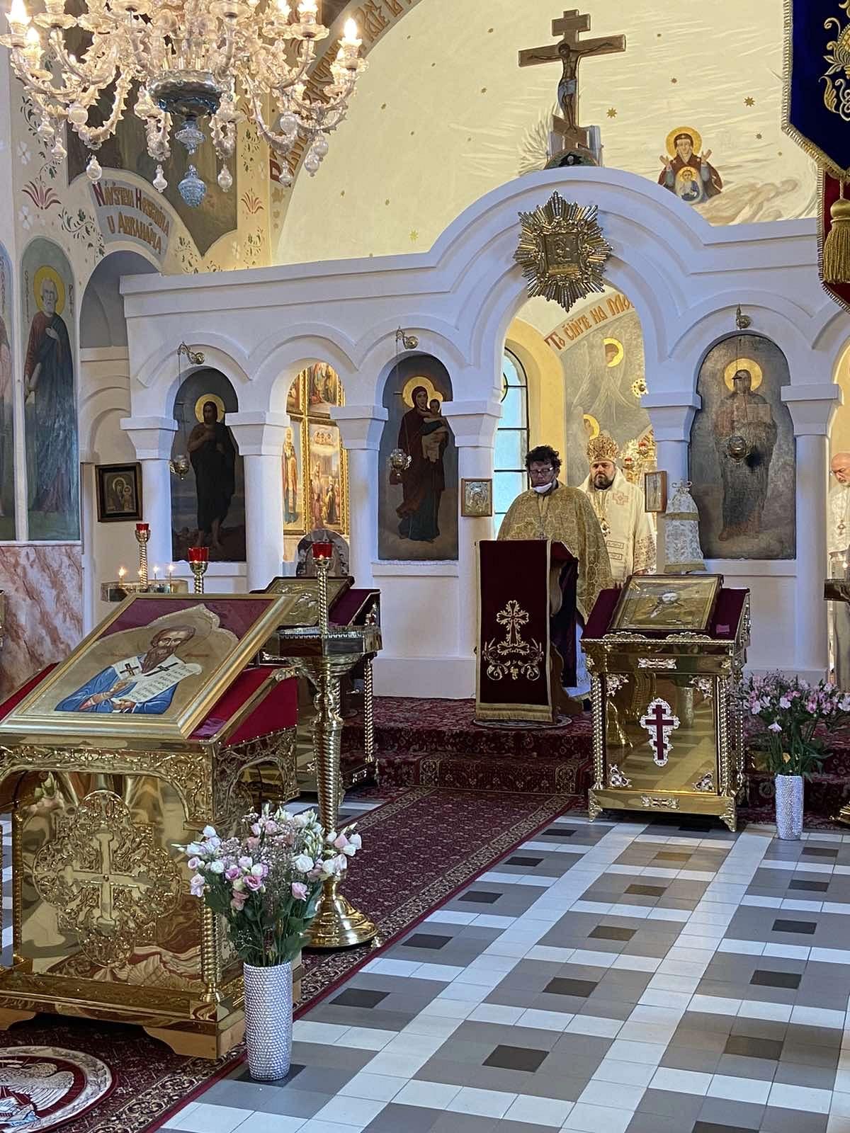 2021-06-01-presbyterium-liturgie-50-F3858975-C493-49A1-9D8D-CC7591F5674C_1