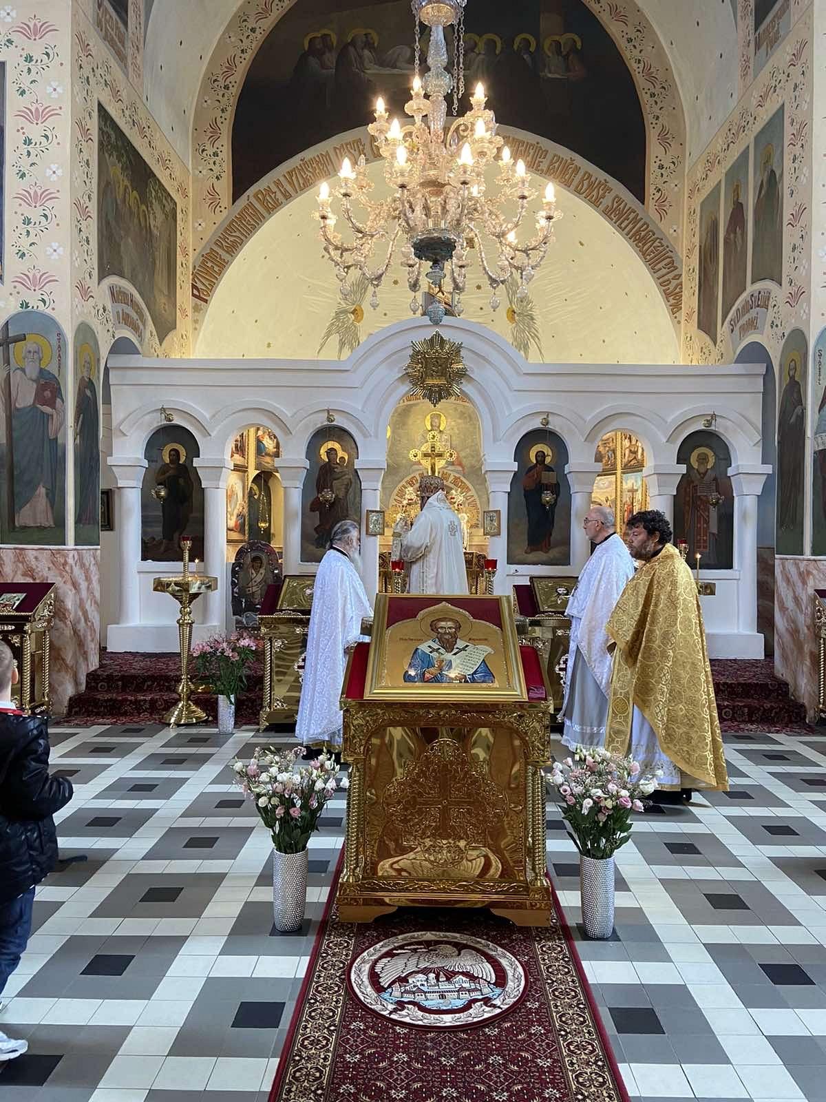 2021-06-01-presbyterium-liturgie-70-28CC027B-FFDB-4C6F-87B5-A27AC6B292BD_1