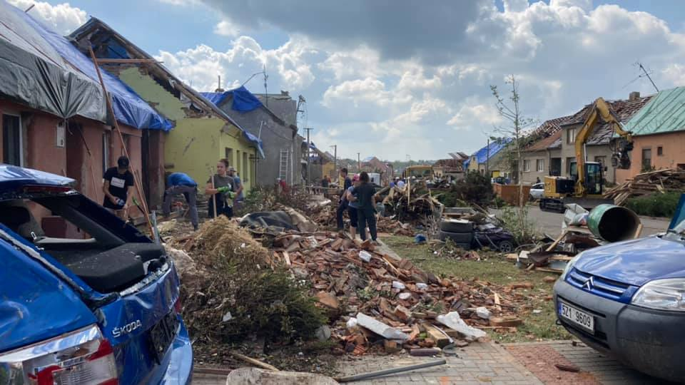 2021-06-tornado-morava-204319455_248206323749853_1838183823476317624_n