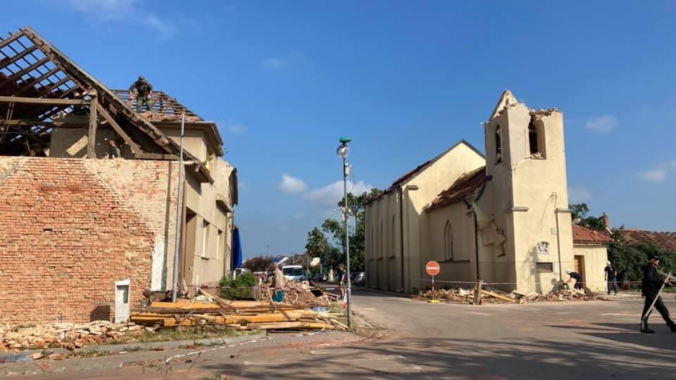 2021-06-tornado-morava-204687100_248206307083188_1110320186777039930_n