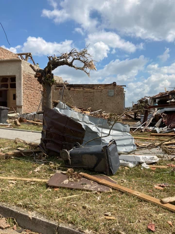 2021-06-tornado-morava-205308434_248206363749849_1033579465342007043_n
